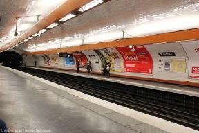 En attendant le métro à Bastille