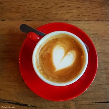 A heart in my café noisette